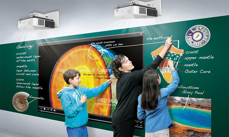 Máy chiếu BenQ LX890UST (Siêu gần, Laser, Full HD)